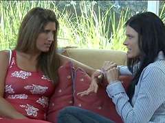 India Summer is a naughty milf who enjoys sucking a tasty pussy